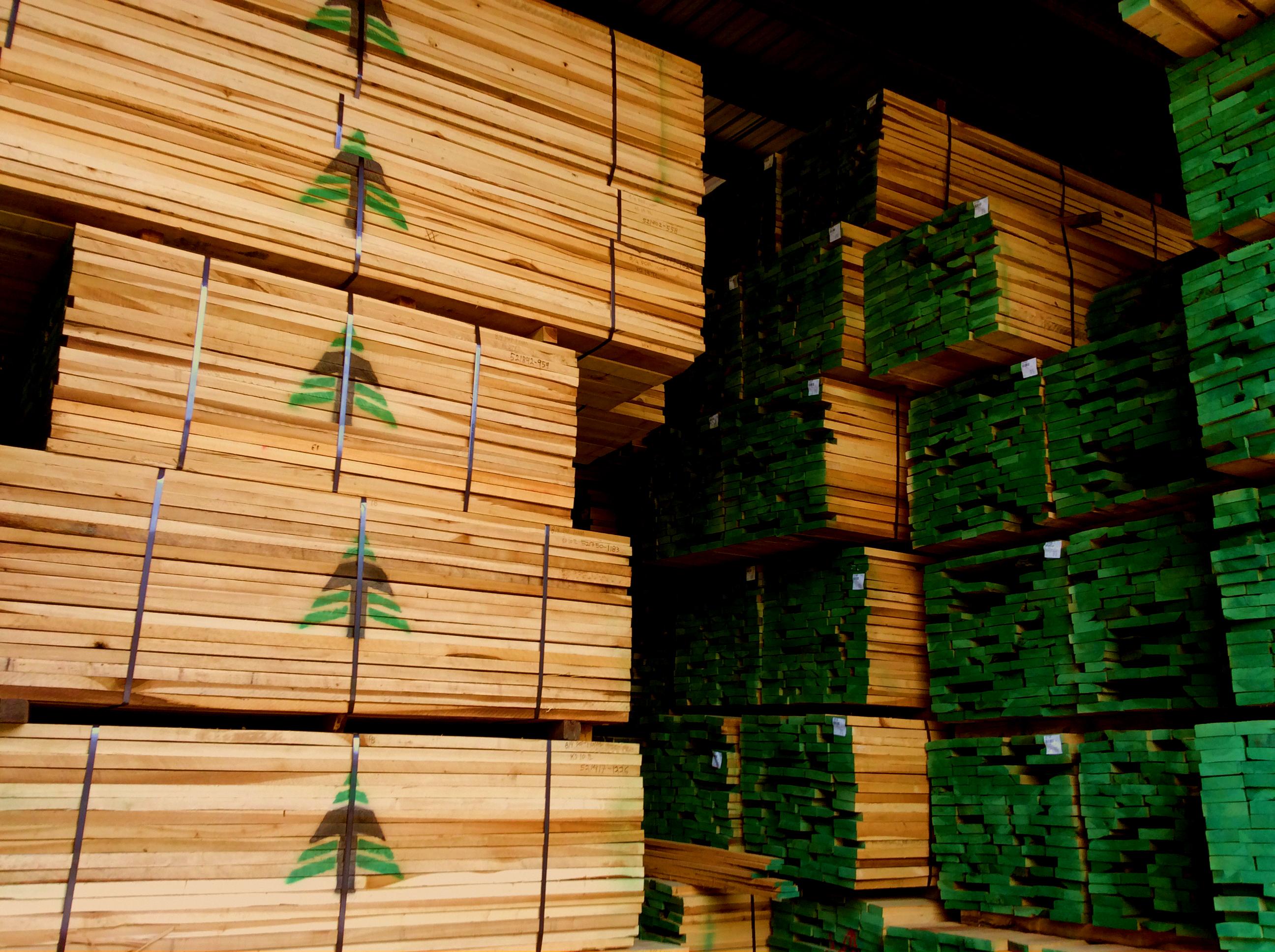 turman lumber packs with green